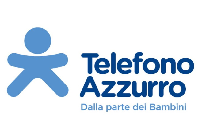 """Telefono Azzurro new campaign: """"If you are not of age, social networks can wait"""""""